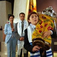 Jeremy Piven, Daryl Sabara e Jami Gertz in una scena del film Al passo con gli Steins