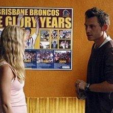 Emilie de Ravin insieme all'attore Keir O'Donnell nell'episodio 'Un figlio' di Lost