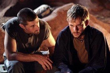 Matthew Fox e Dominic Monaghan nell'episodio 'Inseguimento' di Lost