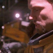 Adam Baldwin in una scena di Firefly, episodio La signora Reynolds