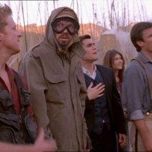 Alan Tudyk, Adam Baldwin, Sean Maher, Jewel Staite e Nathan Fillion in una scena di Firefly, episodio La città di Jayne