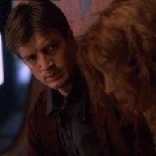 Nathan Fillion in una foto di Firefly, episodio La signora Reynolds