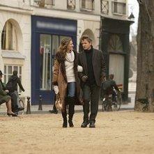 Sarah Jessica Parker e Mikhail Baryshnikov in una scena di Sex and the City, episodio Un'americana a Parigi - Seconda parte