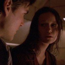 Sean Maher e Summer Glau in una scena di Firefly, episodio Colpo in ospedale