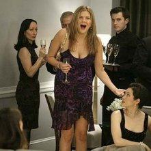 Una scena del telefilm Sex and the City, episodio Via da New York