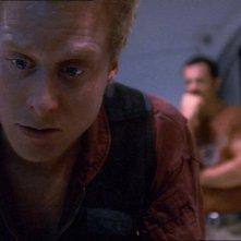 Alan Tudyk e Adam Baldwin in una scena di Firefly, episodio Senza ossigeno
