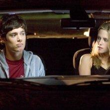 Kristen Stewart con Adam Brody in una scena de Il bacio che aspettavo