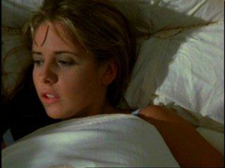 Sarah Michelle Gellar in una scena di Buffy - L'ammazzavampiri, episodio Benvenuti al college