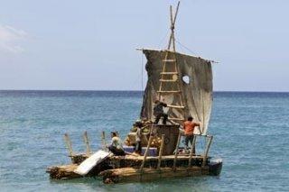 Zattera in mare nell'episodio 'Esodo: parte 1' di Lost