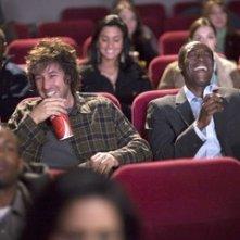 Adam Sandler accanto a Don Cheadle in una scena del film Reign Over Me