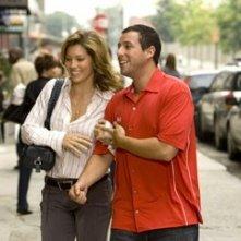 Adam Sandler e Jessica Biel in una scena di Io vi dichiaro marito e...marito