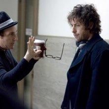 Mike Binder e Adam Sandler sul set del film Reign Over Me