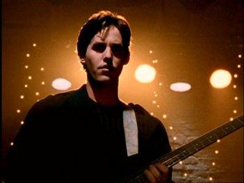 Nicholas Brendon in una scena di Buffy - L'ammazzavampiri, episodio La mantide