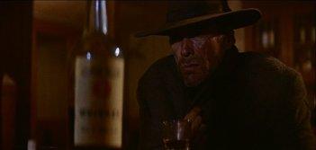 Clint Eastwood in una sequenza de GLI SPIETATI