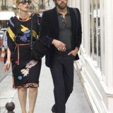 Julie Delpy e Adam Goldberg in una scena del film 2 Days in Paris