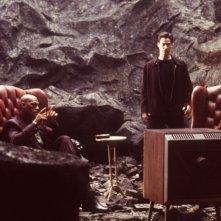 Laurence Fishburne e Keanu Reeves in una scena di MATRIX