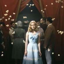 Alison Lohman in una scena di Big Fish di Tim Burton