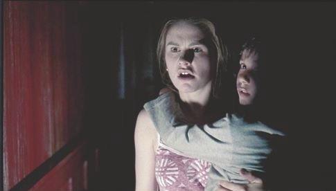 Anna Paquin In Una Scena Di Darkness 46352
