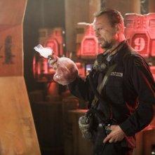 Bruce Willis in una scena del film Planet Terror, episodio di Grindhouse