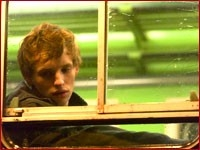 Eddie Redmayne in una scena del film Symbiosis - Uniti per la morte