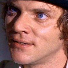 Malcolm McDowell in una scena di ARANCIA MECCANICA, il capolavoro di Stanley Kubrick