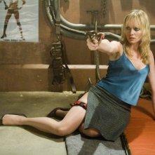 Una sexy Marley Shelton in una scena del film Planet Terror, episodio del double feature  Grind House