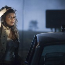 Stacy Ferguson (Fergie) in una scena del film del film Planet Terror, episodio del double feature  Grind House