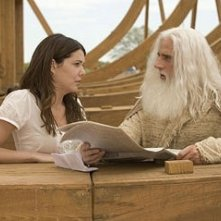 Steve Carell e Lauren Graham in una scena di Un'impresa da Dio