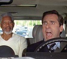 Steve Carell e Morgan Freeman in una scena di panico di Un'impresa da Dio