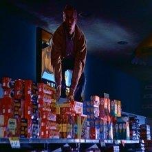 Steve McQueen in una scena di BLOB, FLUIDO MORTALE