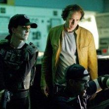 Nicolas Cage accanto a Julianne Moore in una scena del film Next