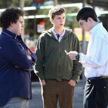 Jonah Hill con Michael Cera e Christopher Mintz-Plasse in una scena di SuxBad ??