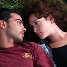 Primo Reggiani e Cristiana Capotondi in una scena del film Scrivilo sui muri