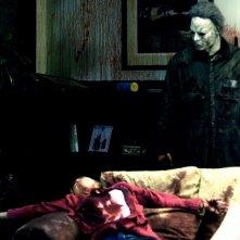 Tyler Mane è Michael Myers in una scena del film Halloween