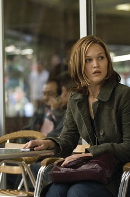 Julia Stiles in una scena del film The Bourne Ultimatum