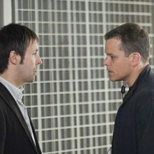 Matt Damon e Paddy Considine in una scena del film The Bourne Ultimatum