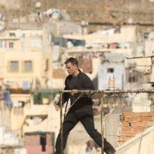 Matt Damon in una sequenza action del film The Bourne Ultimatum