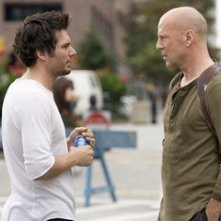 Len Wiseman e Bruce Willis sul set del film Live Free or Die Hard