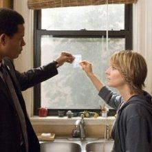 Terrence Howard con Jodie Foster in una scena de Il buio nell'anima