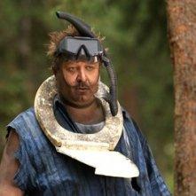 Paul Rae in una scena del film Il campeggio dei papà