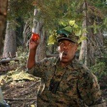 Richard Gant in una scena del film Il campeggio dei papà