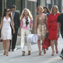 Sarah Jessica Parker, Cynthia Nixon, Kristin Davis e Kim Kattrall in una delle prime foto ufficiali del film di Sex and the City