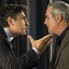 Vincenzo Salemme e Giorgio Panariello in una scena di SMS - sotto mentite spoglie