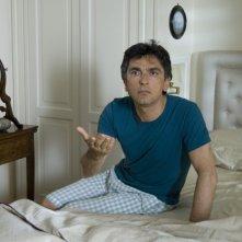 Vincenzo Salemme in una scena di SMS - sotto mentite spoglie