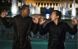 Jackie Chan e Chris Tucker in una scena del film Rush Hour 3