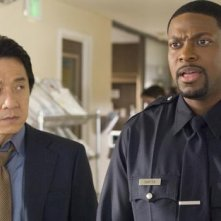 Jackie Chan e Chris Tucker in una scena del film Rush Hour - Missione Parigi
