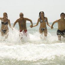 Salemme con Panariello, Luisa Ranieri e Lucrezia Lante della Rovere in una delle scene di SMS - sotto mentite spoglie