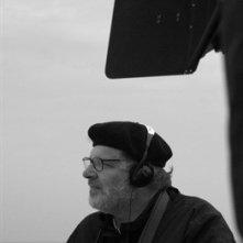 il regista Carlo Mazzacurati sul set del film La giusta distanza