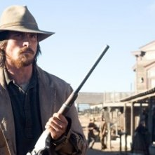 Christian Bale in un'immagine di Quel treno per Yuma