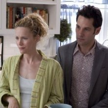 Paul Rudd con Leslie Mann in una scena di Molto incinta